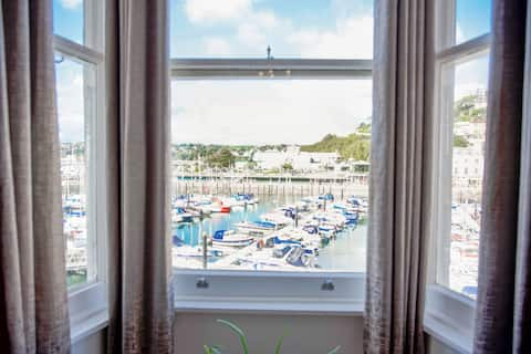 Superb Located New Apartment - Torquay harbourside
