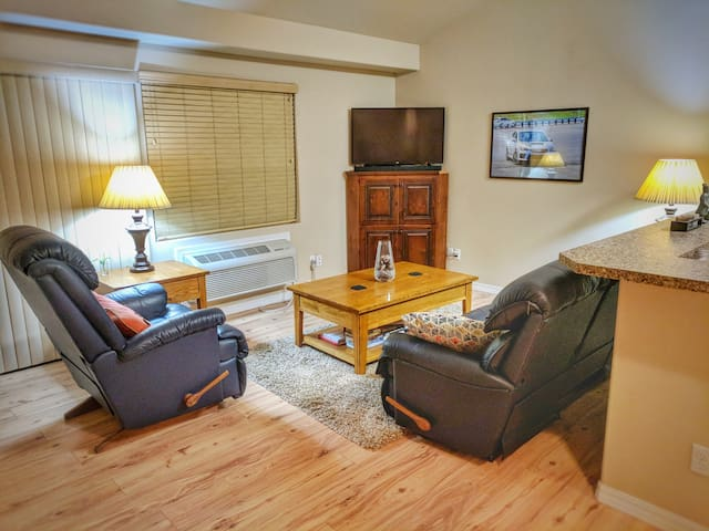 Centrally Located, Easy Access to Ski Resorts