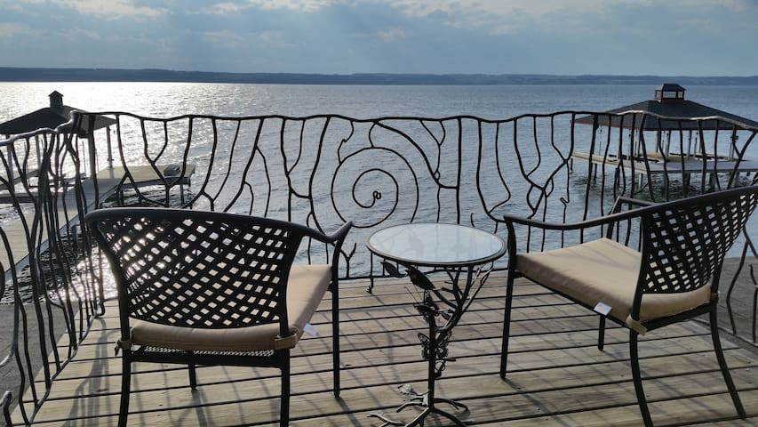 Seneca Lake Escape