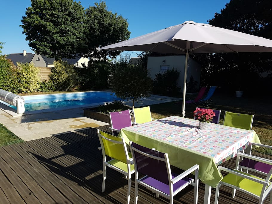 Maison cosy avec piscine chauff e houses for rent in - Piscine loire sur rhone ...
