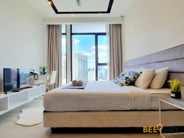 KLCC | Expressionz Deluxe Suite with King Bed!