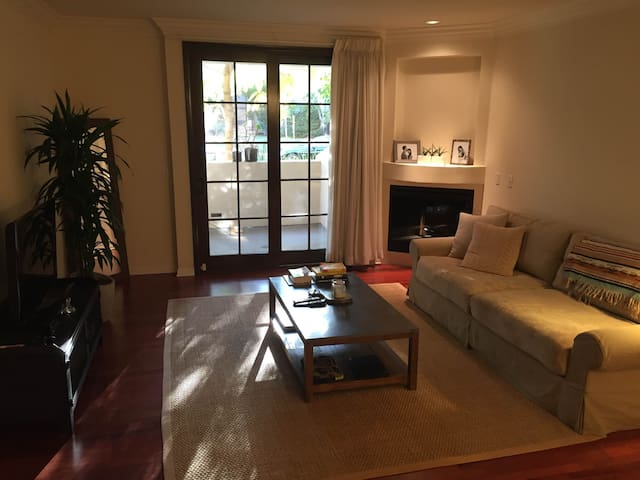 West Hollywood Luxury Apartment - West Hollywood - Departamento
