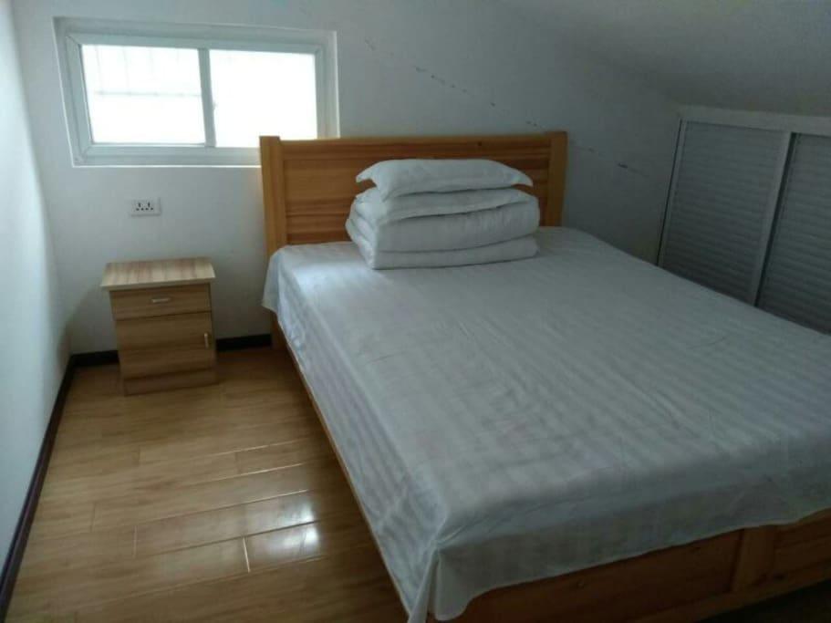二楼的小卧室(床1.5M)
