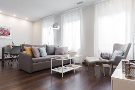 STYLISH APARTMENT IN PREMIUM LOCATION - WIFI 300MB - València