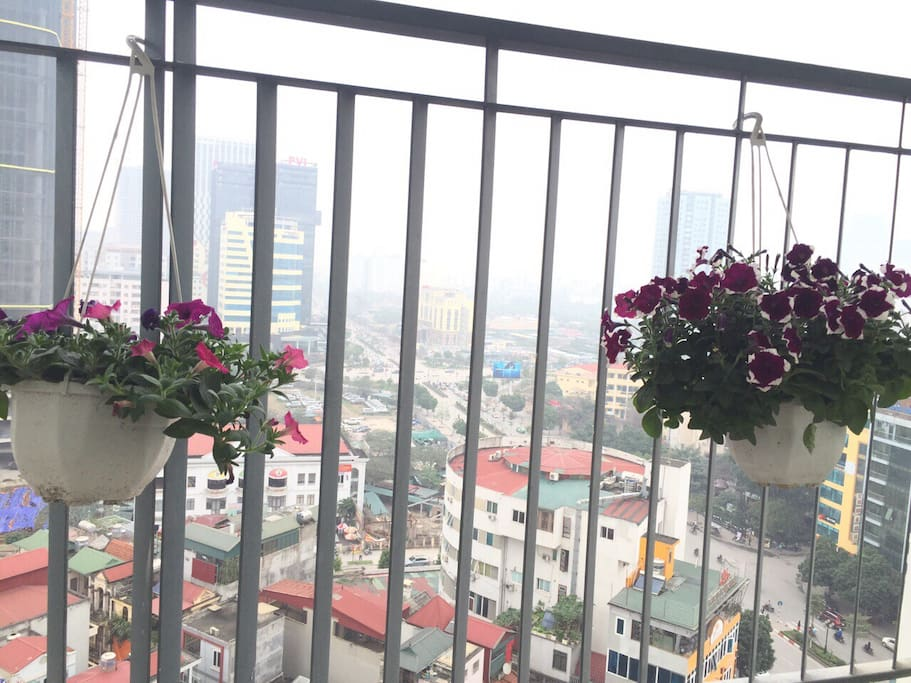 View from balcony is extremely wonderful. From this balcony, you can see the whole Eastern Cau Giay district.