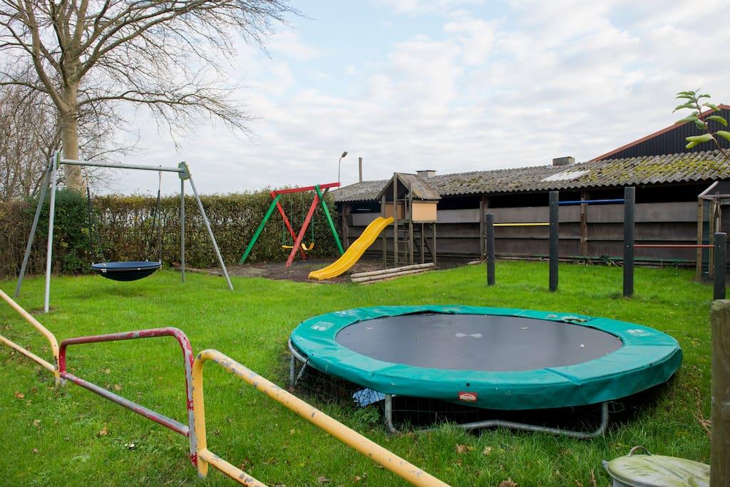 De speeltuin op de boerderij