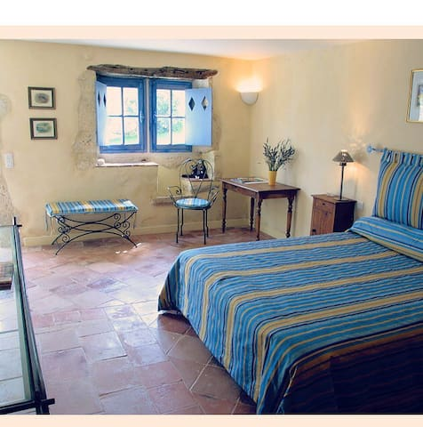 Chambre double privée dans hameau - Saint-Clar