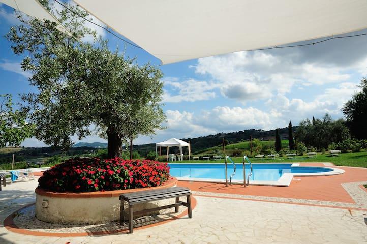 Due incantevoli camere immerse nel verde - Lesignano