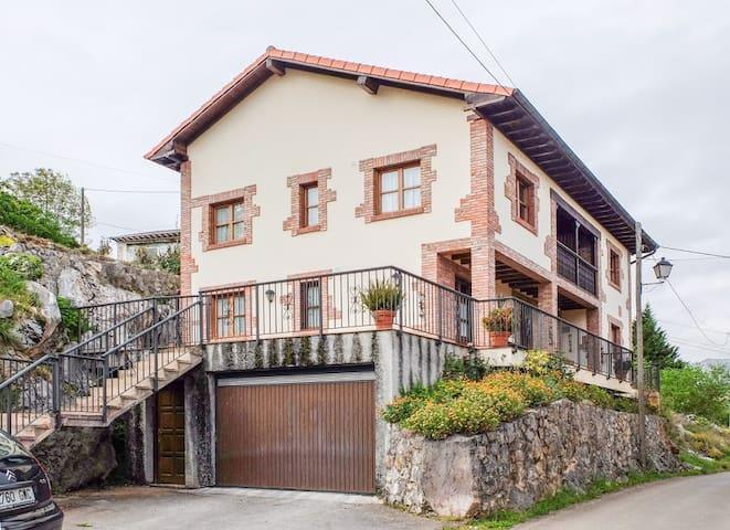Apartamentos Rurales La Huertina en  Cabrales