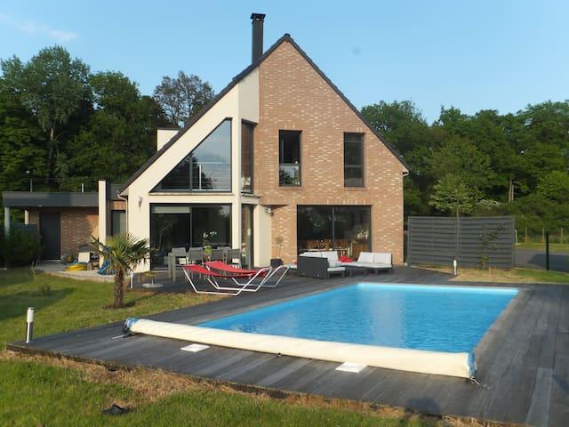 Maison 3 chambres avec piscine - Mérignies - Hus