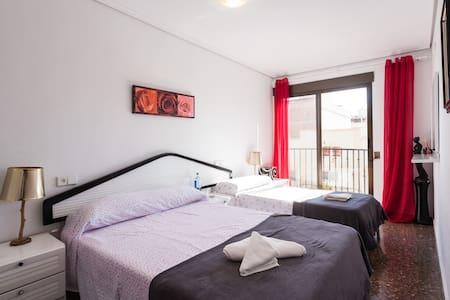 Comfortable and spacious apartment! - La Pobla de Farnals