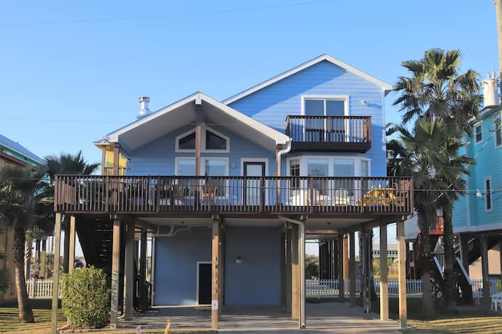 Beautifully Decorated - Lovely View, Walk To Beach