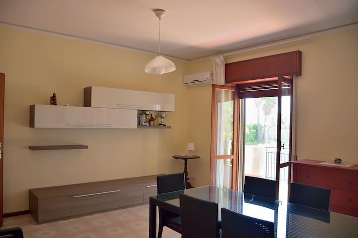 Casa vacanza-holiday home  Aci Trezza, CT - Aci Castello - Leilighet