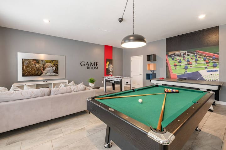 Luxury home with game room for 20 guests