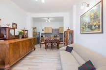 Best Central Location/Quiet & Cozy 2 Bedroom Flat