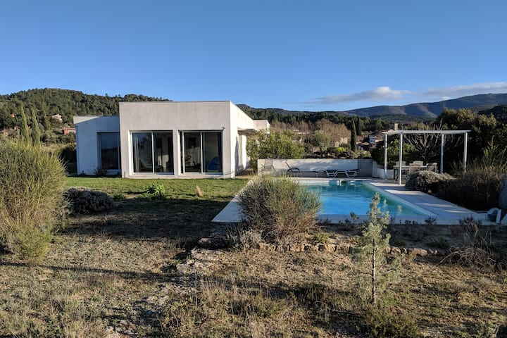 Stylish & tranquil villa with panoramic views