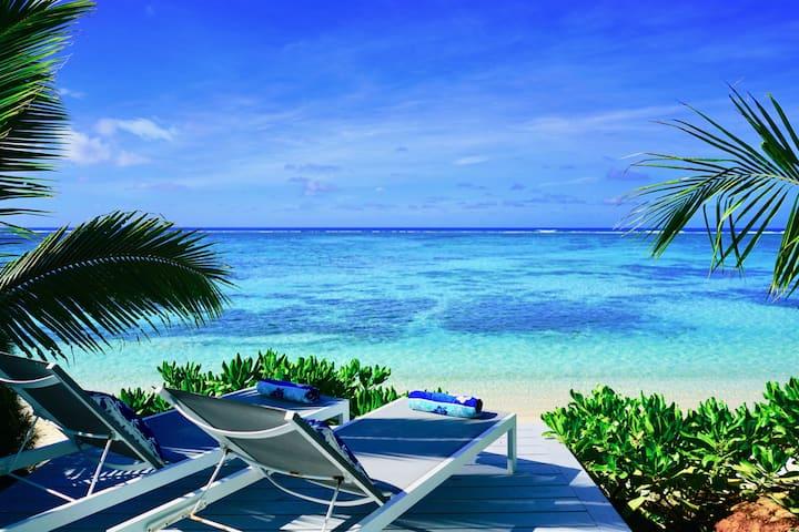 Beach Vibe - Beachfront Luxury Villa