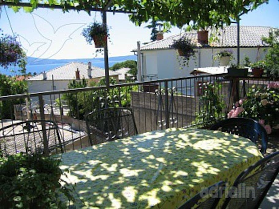 Terrace with sea view, Table and seats provided for terrace, area of the terrace: 20m² outside area barbecue
