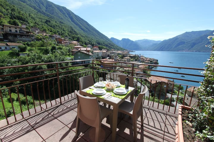 La LUNA apartment in the village near Bellagio
