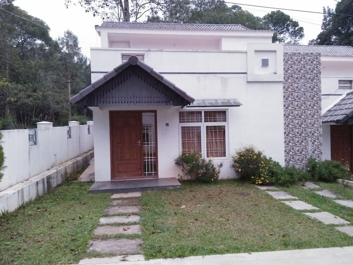 Greenfield Homestay just 1KM from main town