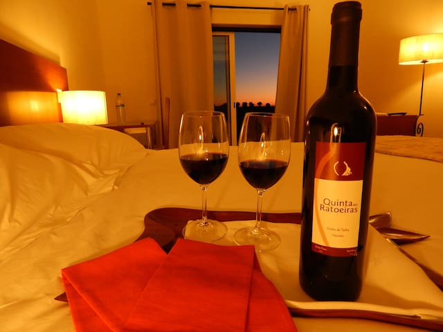 Bed & Wine