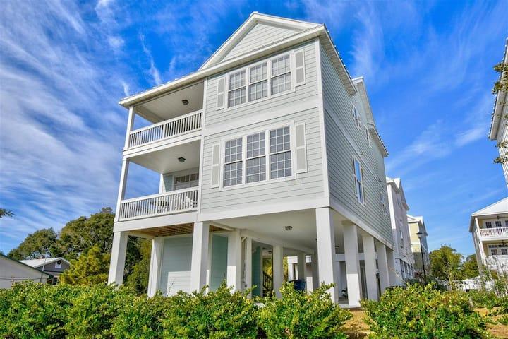 Ocean View 4BR Beach House, Steps to Beach