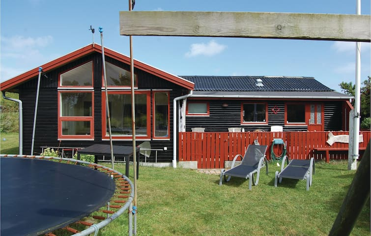 Holiday cottage with 2 bedrooms on 100m² in Hirtshals