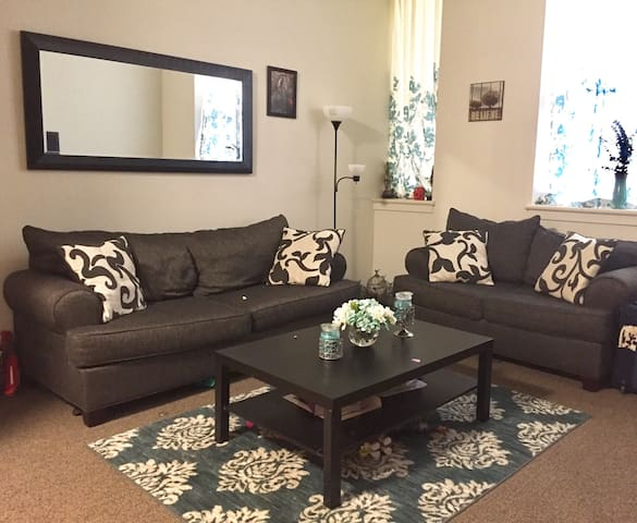 Beautiful Quiet 2 BDR Apt - Meriden - Apartment