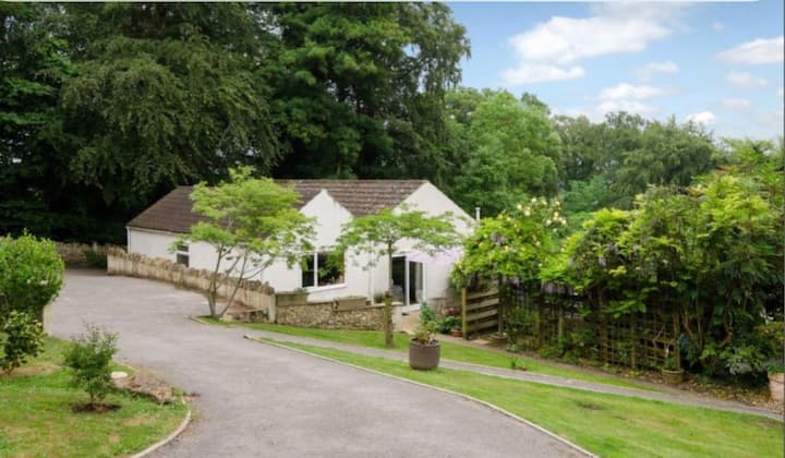 Bath Bradford-On-Avon UK Contemporary 3 bed chalet