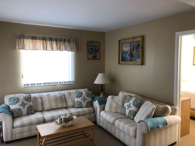 Beach Condo perfect for YEAR ROUND FUN!