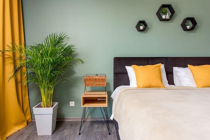 Уютная спальная с кроватью King-Size для Вашего отдыха