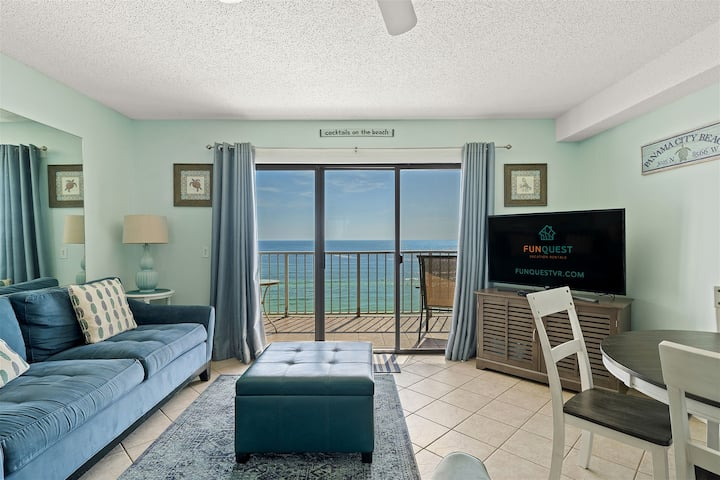 Summit 926- Spacious Condo with Ocean Views, Beach Access and Pools