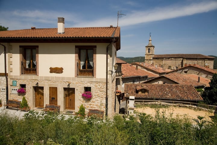 Acogedora casa en un entorno rural I