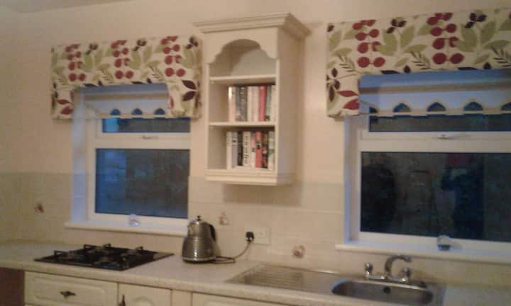 The Hollow  ~ Self Catering Apartment With Garden