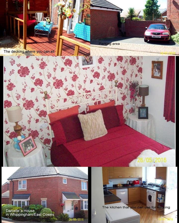 Double room in modern house ( Upstairs )