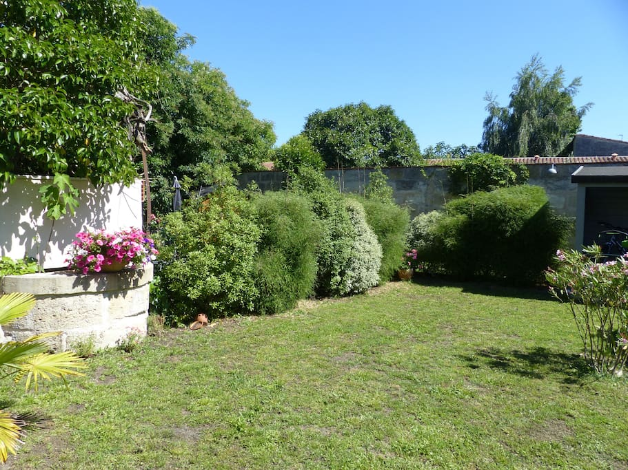 Belle echoppe climatis e jardin appartements louer for Location appartement jardin bordeaux