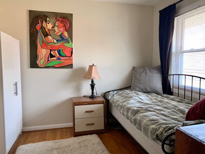 Cozy Bright Room close to Alexandria downtown