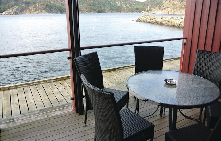 Beautiful home in Korshamn with WiFi and 3 Bedrooms