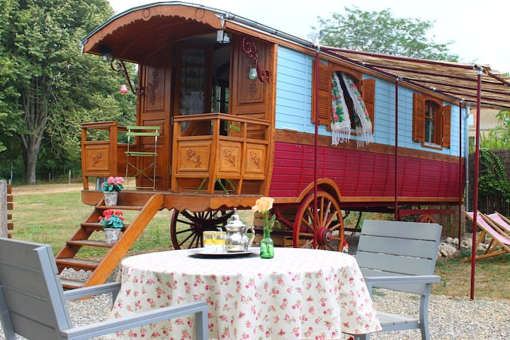 charming 2 persons gypsywagon with private bathroo - Larrazet - Outros