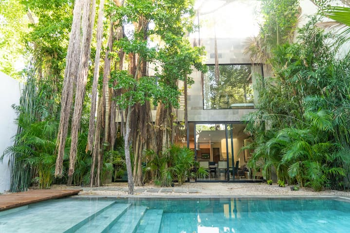 BOOX   Amazing tropical hideaway + CHEF INCLUDED