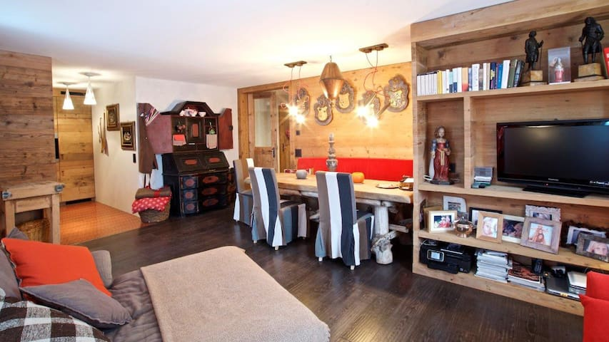 Cozy Chalet close S.Moritz + Ski/Snowboard Lessons - Samedan - House