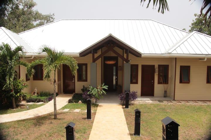 Casa Maria, Lawson Rock, Roatan