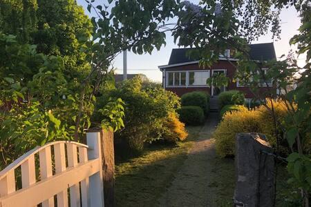 Idyllic Aspö-Oceanfront Modern House;  3 Bedrooms