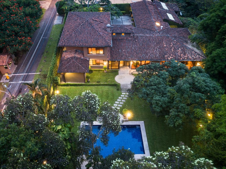 Luxury European Villa - Escazú