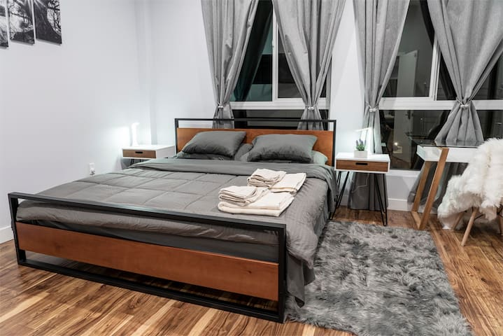 Fabulous stay in private room – LA luxury 304