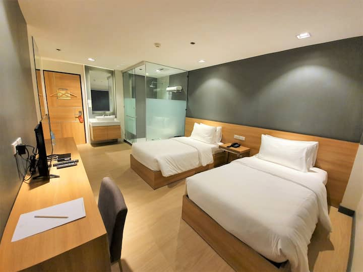 Deluxe Room at Real Suites, Bacolod