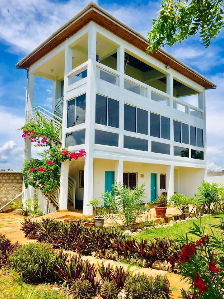 Kwamuhindi Beach house along Kuruwitu.