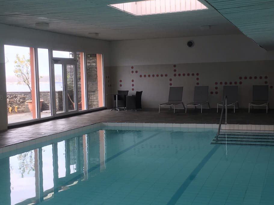 Hallenbad   ---  indoor pool