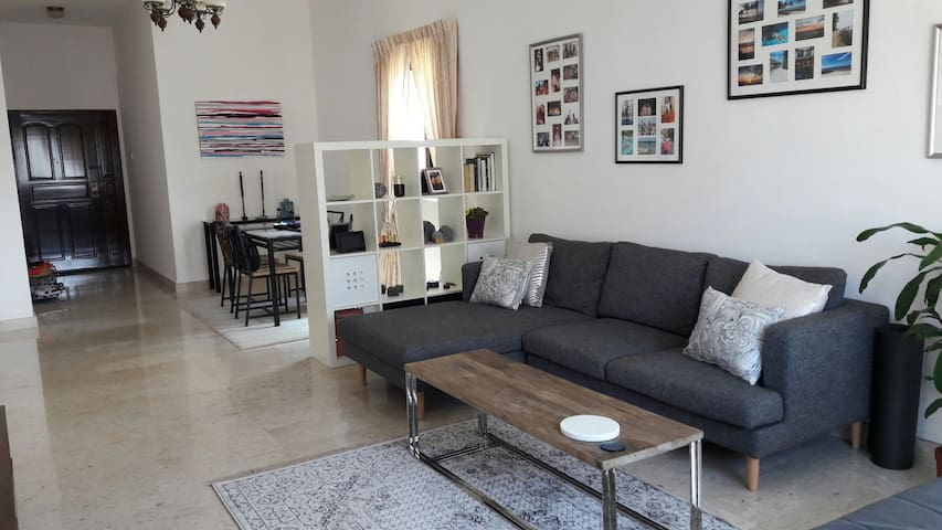 1 double bedroom in large, bright shared flat