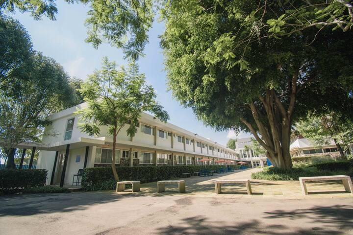 Habitación cómoda, confortable en zona residencial